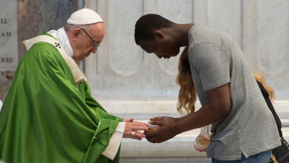 Papst Franziskus im Petersdom