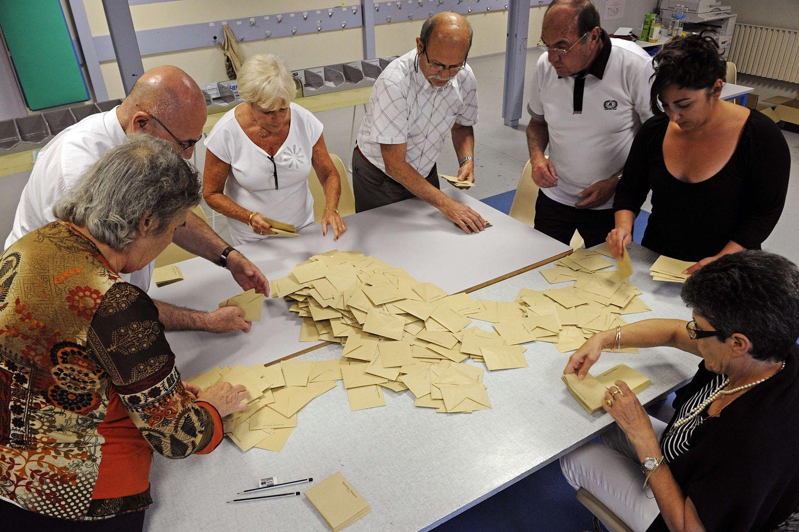 FRANCE2012-LEGISLATIVES-VOTE-RESULTS