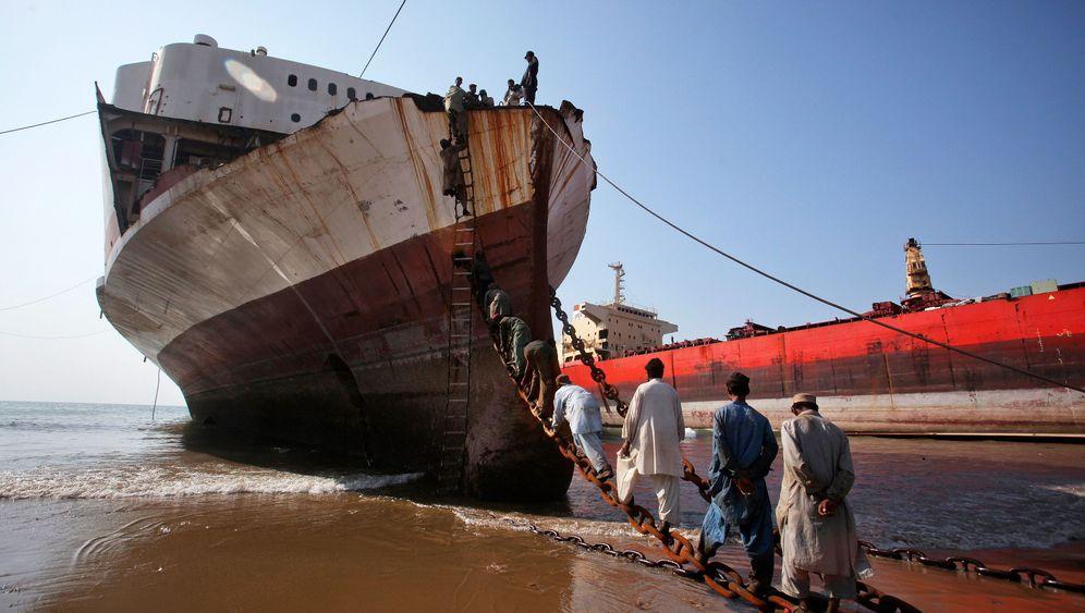 Pakistan: Aus Schiff wird Schrott