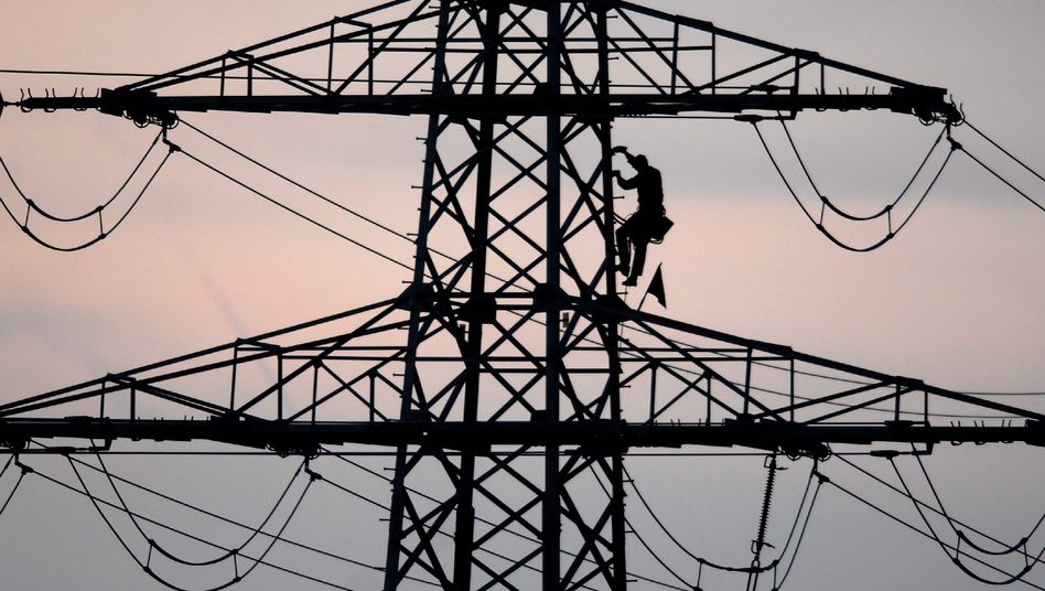 Strommast in der Oberpfalz: Großes Einsparpotential für Verbraucher