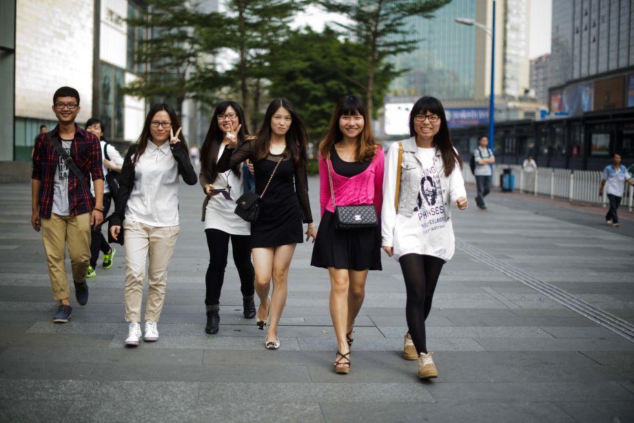 Junge Frauen im chinesischen Guangzhou