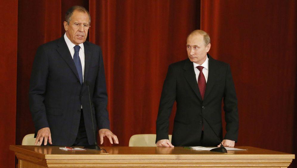 Russland: Putin stutzt seine Hardliner zurecht