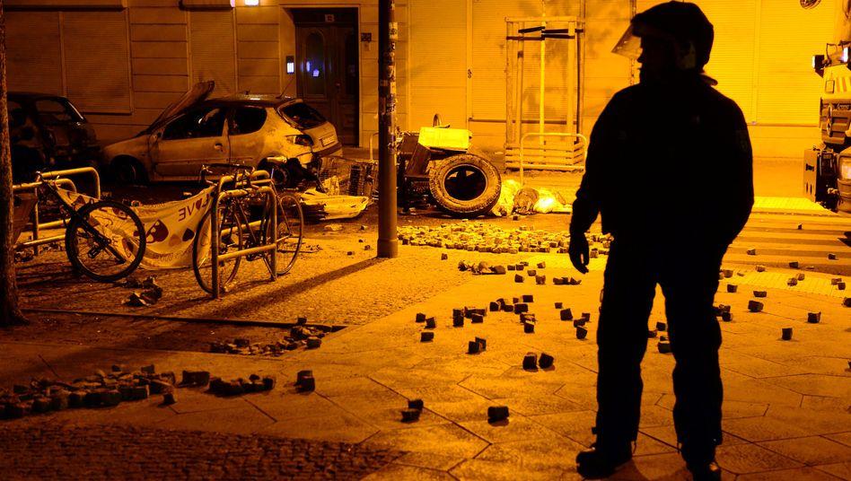 Polizist in der Rigaer Straße