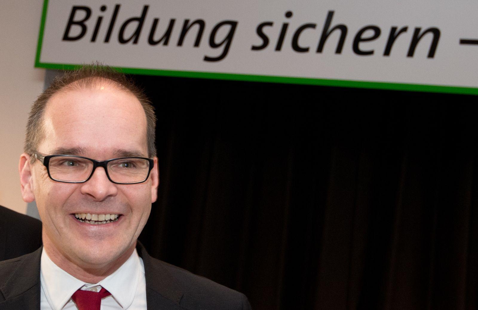 Niedersachsen will Demokratiebildung an Schulen stärken