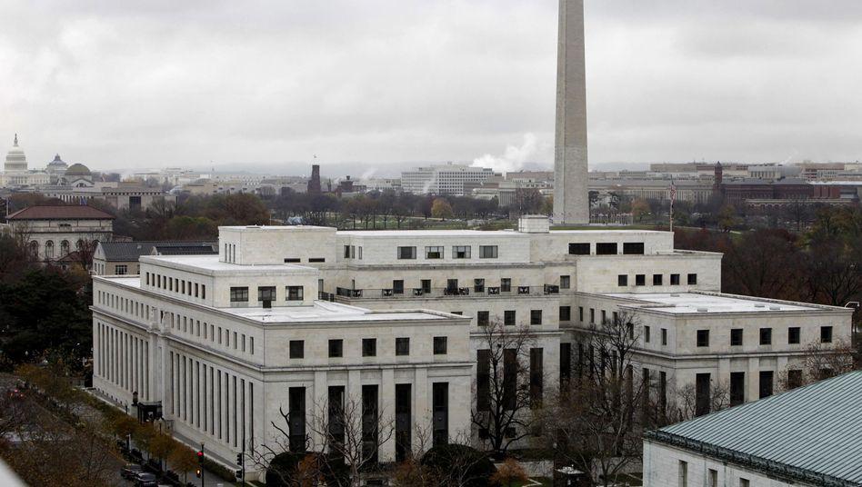 Das Gebäude der Federal Reserve in Washington: Der Leitzins bleibt vorerst auf dem Rekordtief