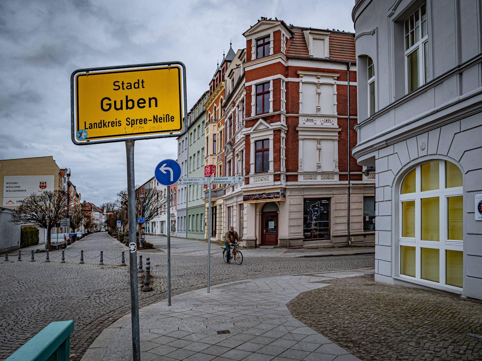 Guben im Bundesland Brandenburg; Grenzübergang nach Polen zu Gubin Guben *** Guben in the Federal State of Brandenburg
