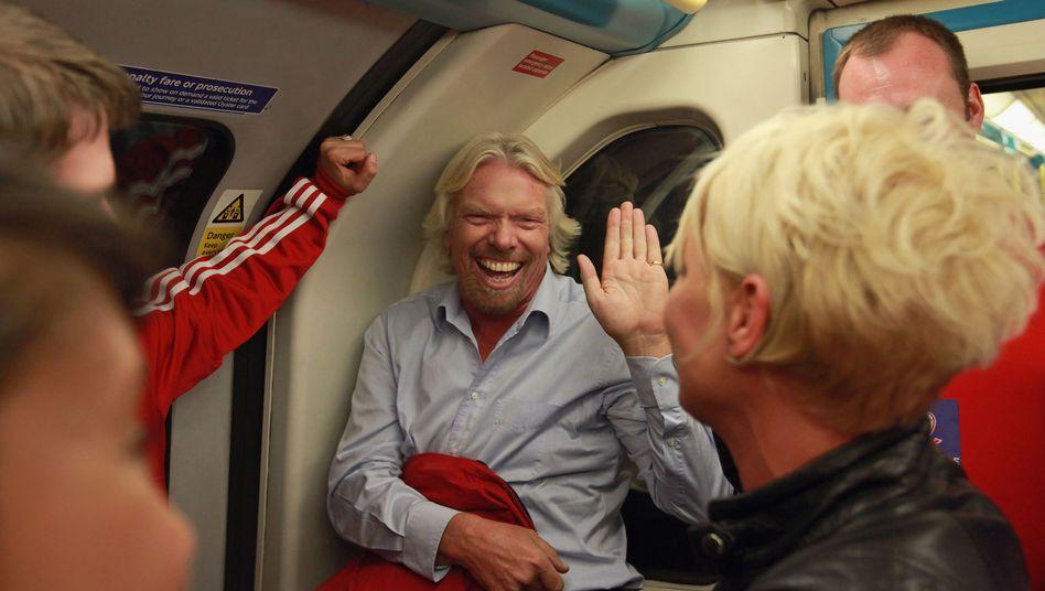 Milliardär Richard Branson: Ob er hier schon mal ein Flugbegleiter-Grinsen übt?