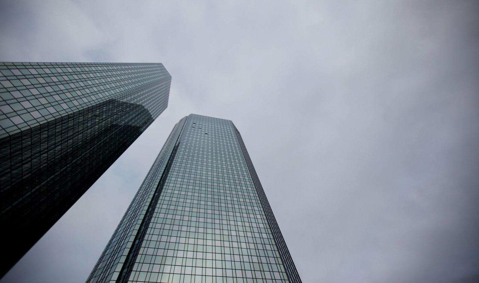 NICHT VERWENDEN Deutsche Bank / Razzia