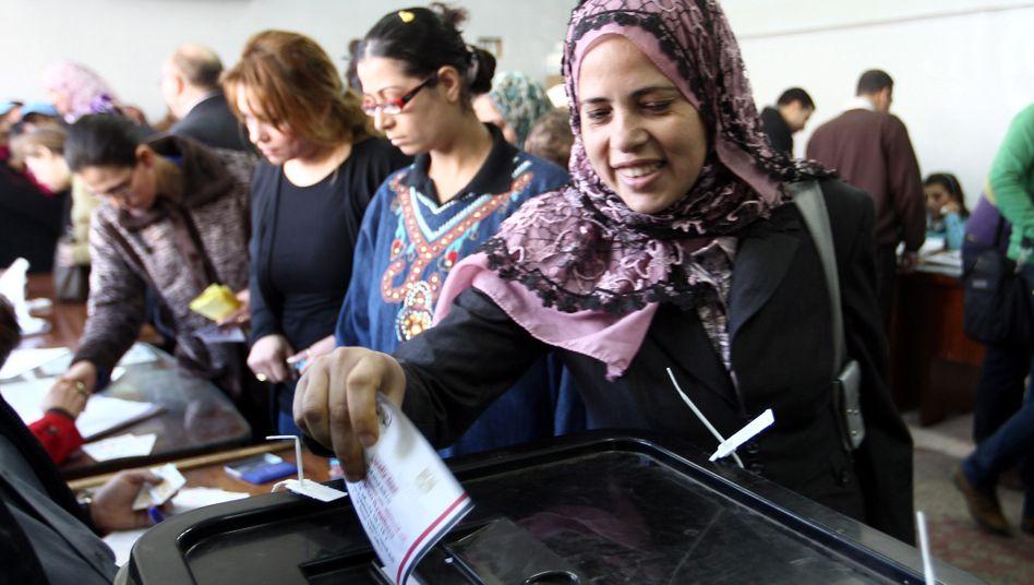 Wahllokal in Kairo: Nur ein gutes Drittel der Ägypter gab die Stimme ab