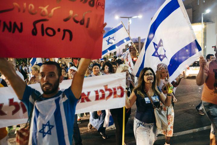 Demonstranten in Tel Aviv