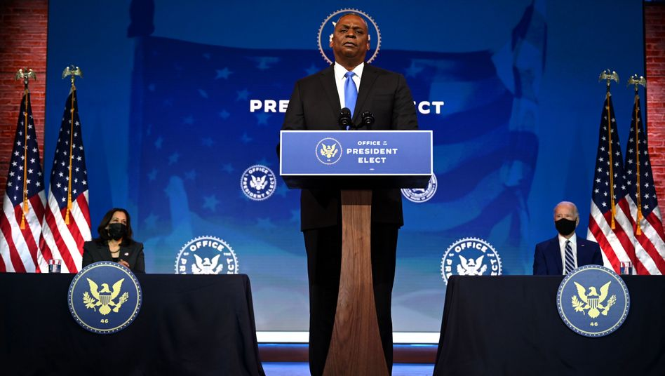 Der ehemalige General Lloyd Austin wird als erster Afroamerikaner Verteidigungsminister der USA (Archivfoto von Dezember 2020)