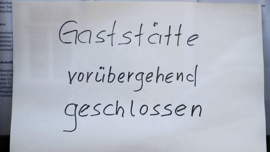 Harter Schlag für viele Minijobber: Gaststätten mussten in vielen Teilen Deutschlands schließen.