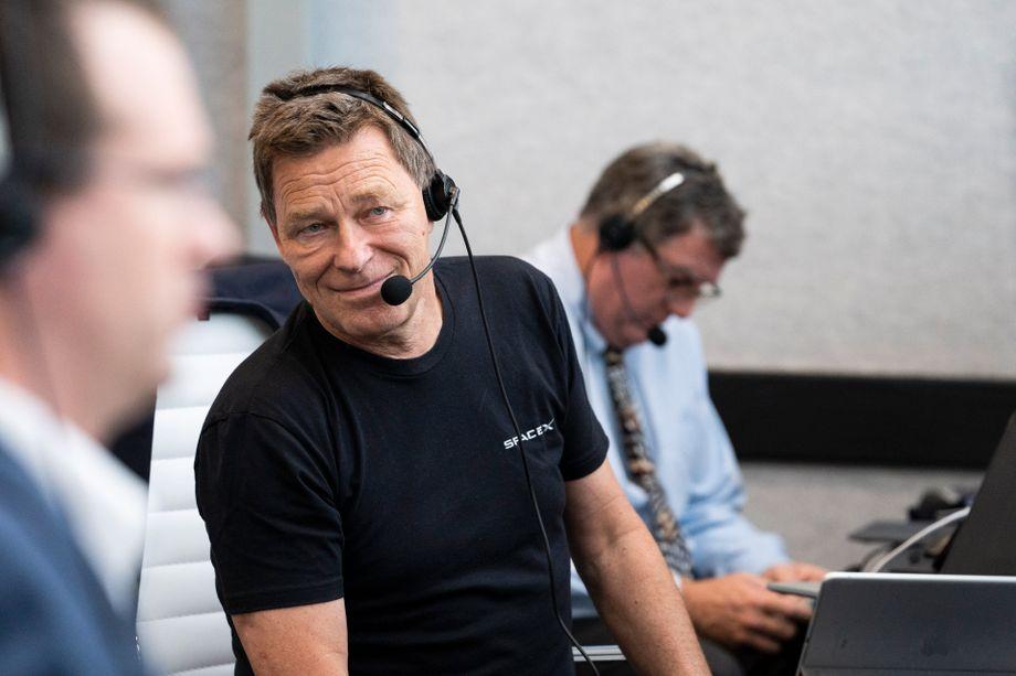 Hans Königsmann im Kontrollraum bei der Demo-2-Mission Ende Mai 2020. Der Raumfahrt-Ingenieur war bis vor Kurzem als Vizepräsident verantwortlich für die Flugsicherheit. Ende Januar gab er bekannt, dass er sich zurückziehen wolle. Nun berät er die Weltraumfirma als Senior Advisor.