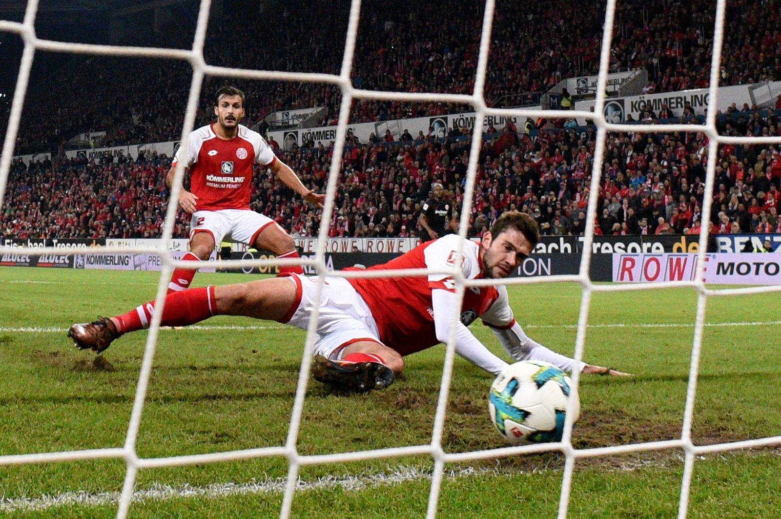 27 10 2017 xfux Fussball 1 Bundesliga FSV Mainz 05 Eintracht Frankfurt emspor v l Stefan Bel