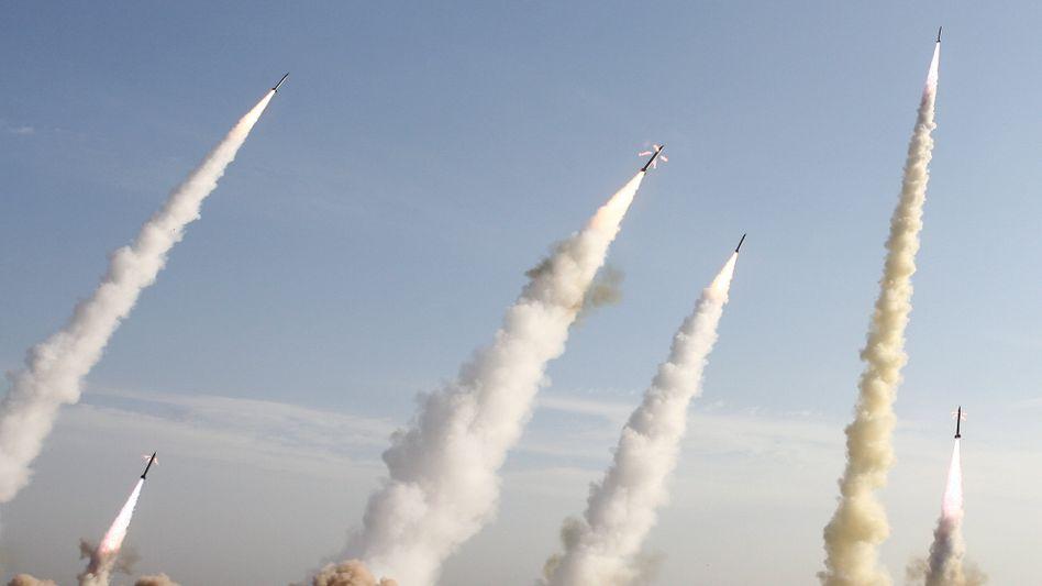 Iranische Raketen (Archivfoto von 2006)