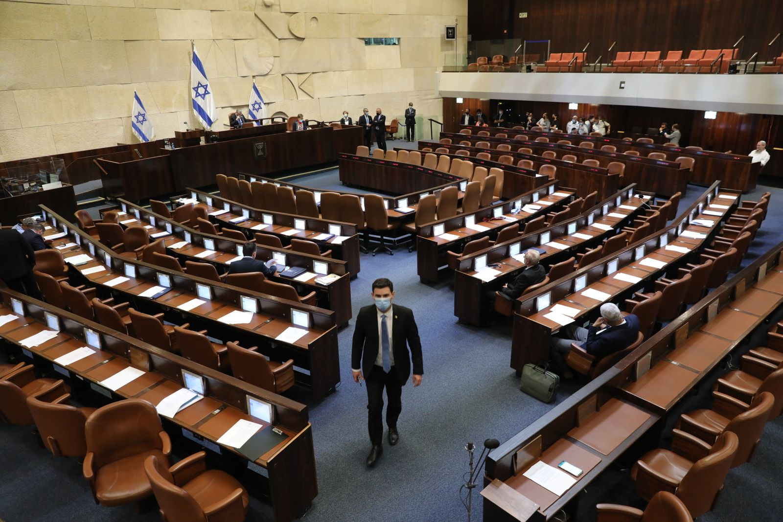Naftali Bennett and Yair Lapid to form a new unity government