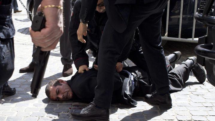 Amtssitz des Ministerpräsidenten in Rom: Attentäter schießt Polizisten nieder