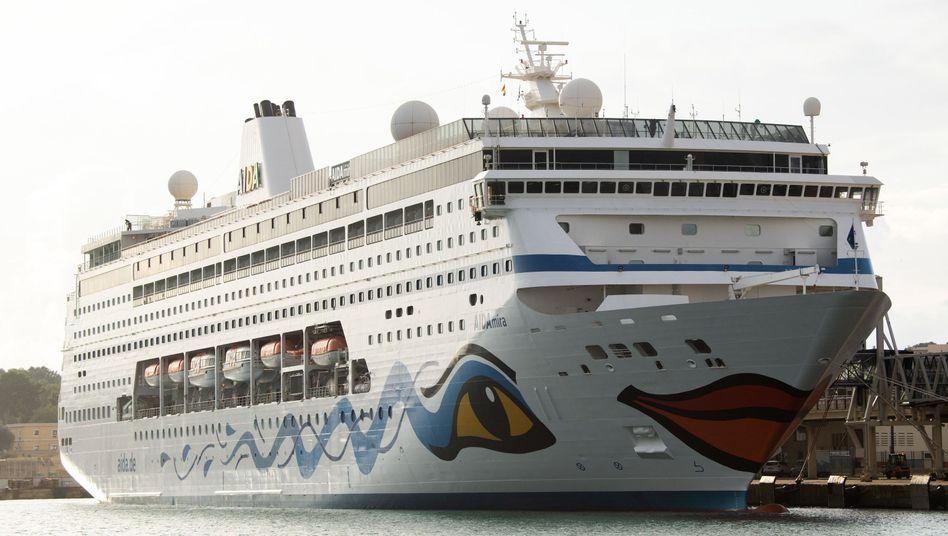 """Die """"Aida Mira"""" im Hafen von Palma de Mallorca: Leinen fest"""