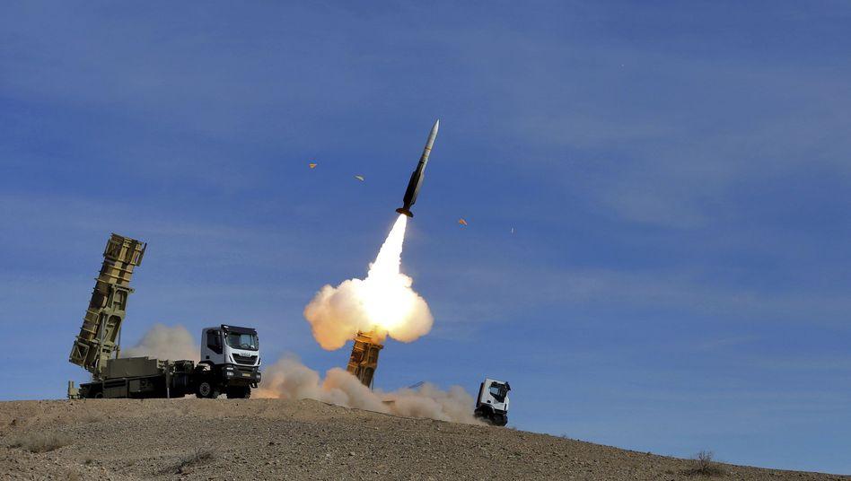 Drei, zwei, eins - Abschuss: Irans Raketensystem in Aktion