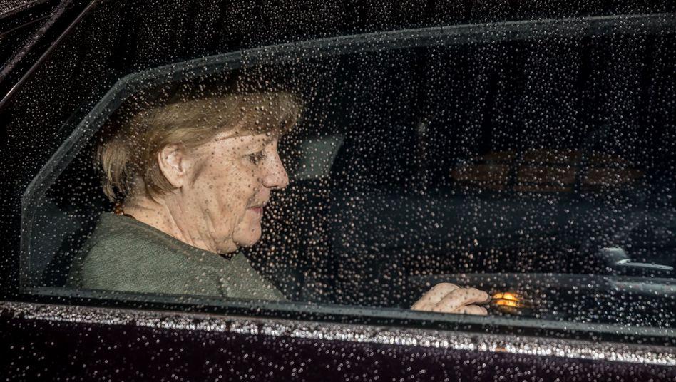 Bundeskanzlerin Angela Merkel (CDU) nach der Vertagung der Sondierungsgespräche, 17. November 2017