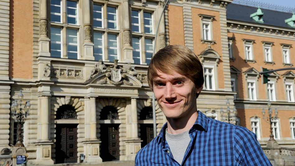 Laienrichter Maxwill vor dem Hamburger Landgericht: Studieren und verurteilen