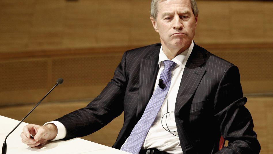 Deutsche CEO Jürgen Fitschen complained to the governor of Hesse about a tax probe.