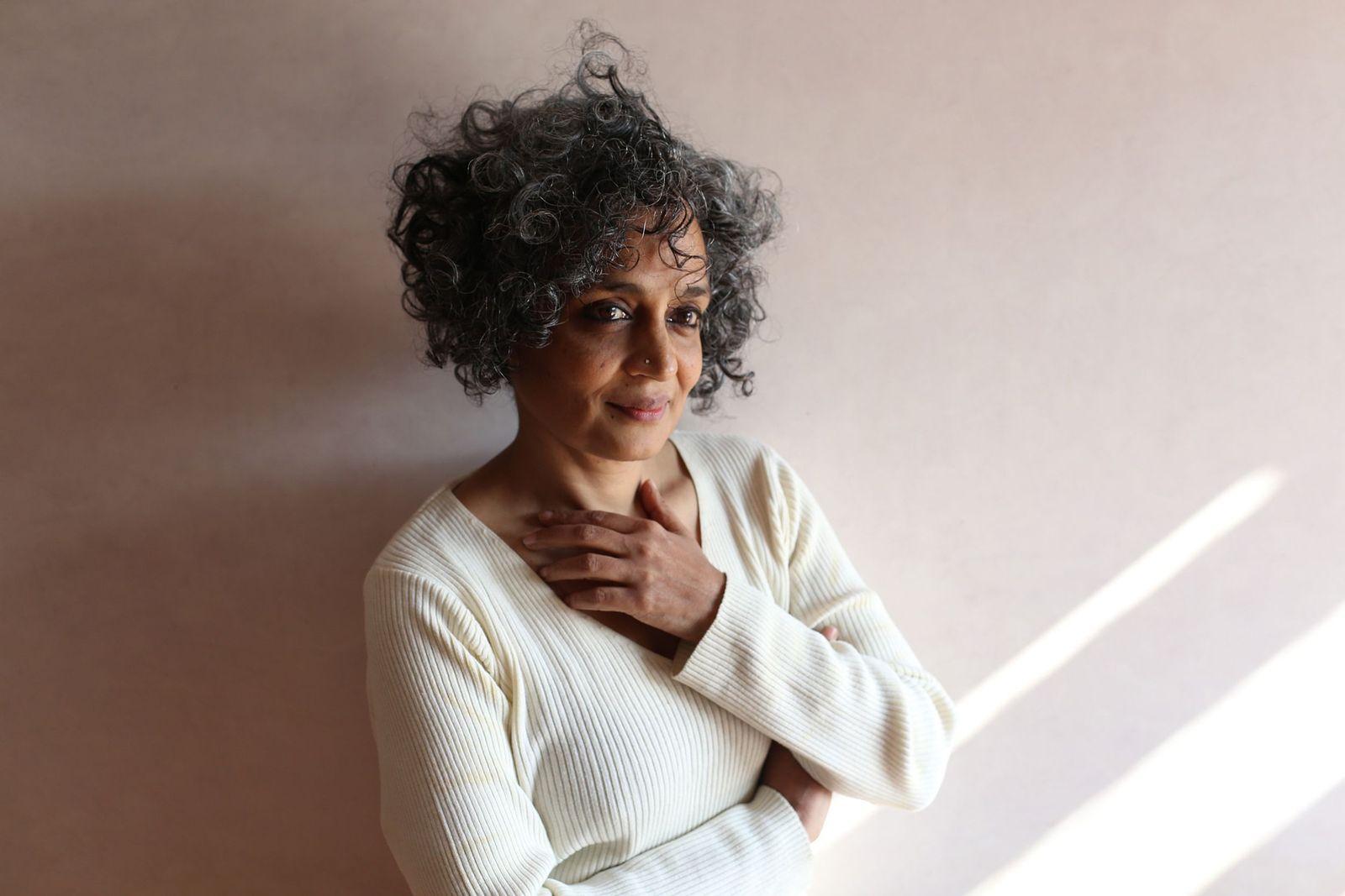 EINMALIGE VERWENDUNG Buch/ Arundhati Roy: Das Ministerium des äußersten Glücks