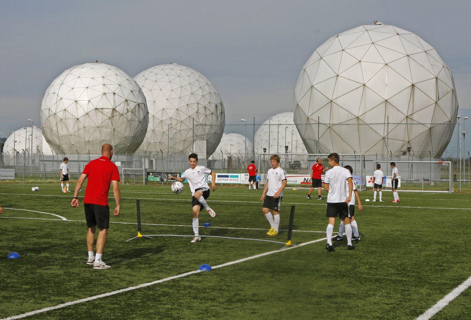 Antennenkuppeln Mietraching NSA
