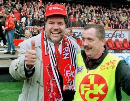 Kaiserlautern-Fan Beck (1998): Fiebern auf der Ehrentribüne