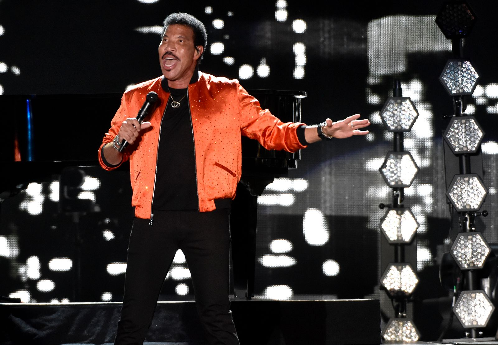 Lionel Richie Performs At Lake Tahoe Outdoor Arena
