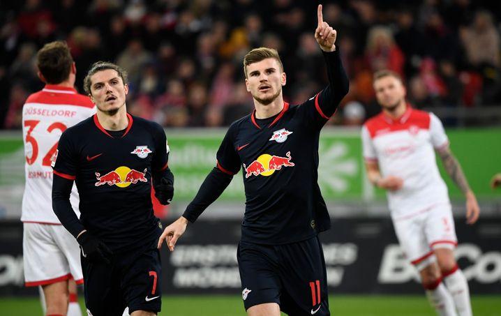 Marcel Sabitzer und Timo Werner (r.) sind mit RB Leipzig aktuell Tabellenführer in der Bundesliga