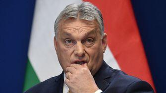 Orbáns Monolith bekommt Risse