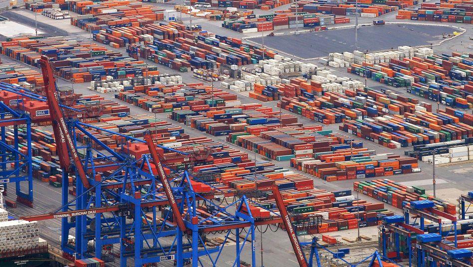 Container im Hamburger Hafen (Archivbild)
