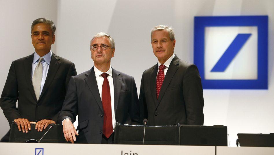 Führungstrio Jain (links), Fitschen (rechts), Achleitner: Neue Führung angebracht