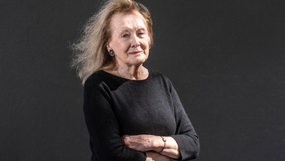 Autorin Annie Ernaux hat ein herzzerreißendes Buch über ihre Mutter geschrieben