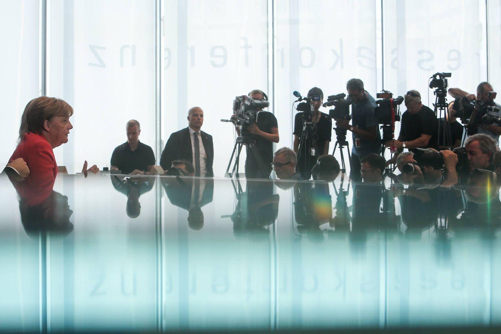 POLITIK Angela Merkel - Sommerpressekonferenz in Berlin (150831) -- BERLIN, Aug. 31, 2015 -- German Chancellor Angela M