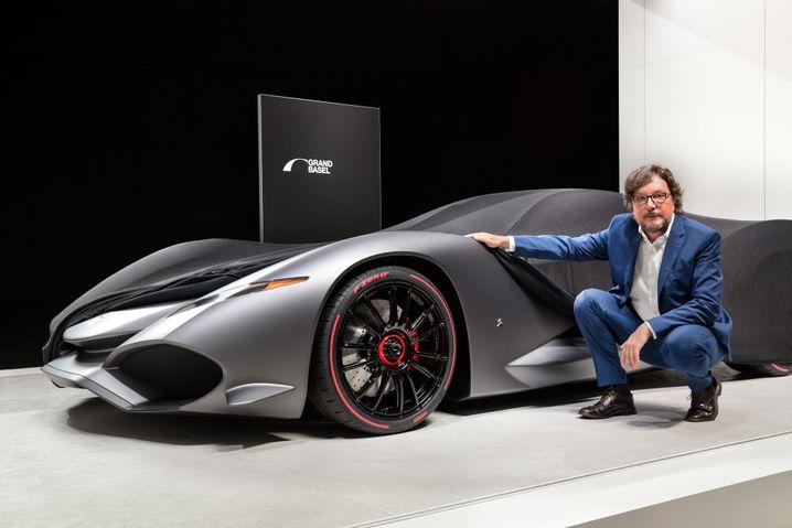 Andrea Zagato mit dem Iso Rivolta Vision Gran Turismo Concept