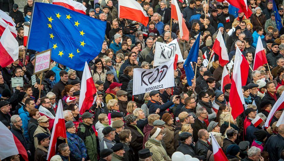 Anti-PiS-Proteste in Bydgoszcz: Massendemonstrationen gegen die Regierung