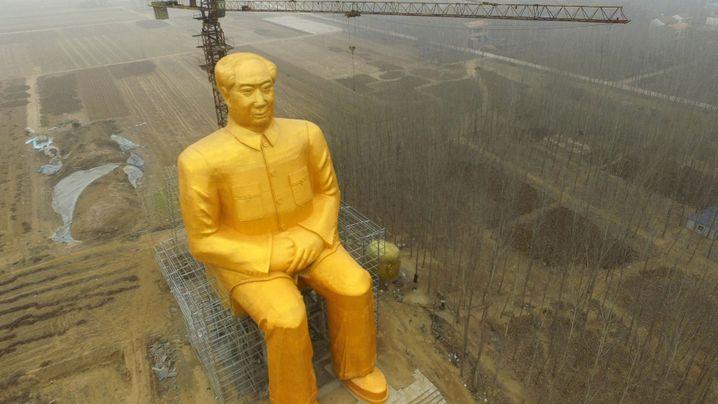 Riesige Statue in China: Einfach goldig, dieser Mao