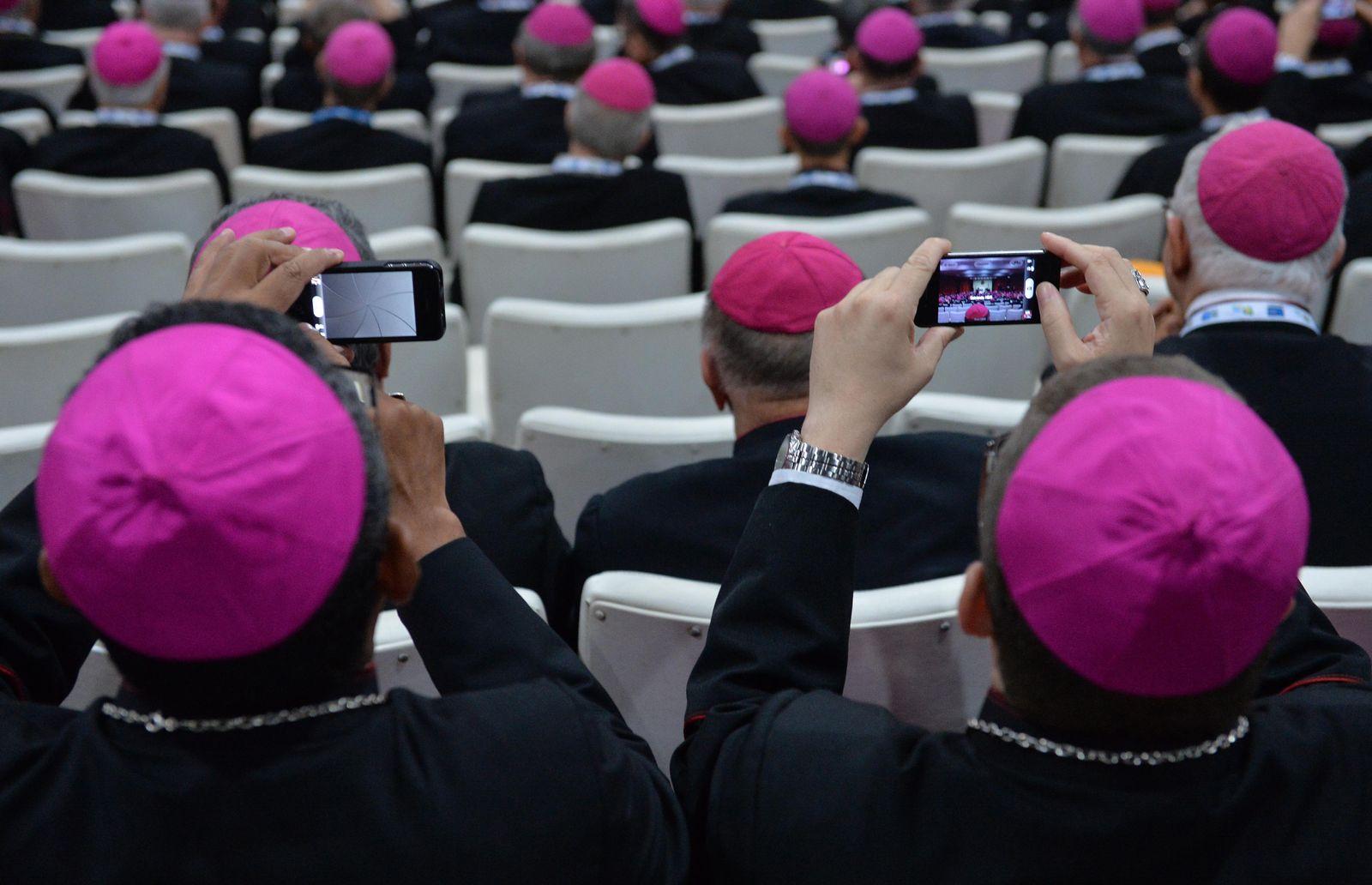 Bischöfe / Handy