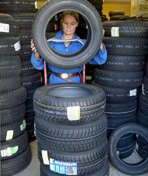 """Reifenhandel: Sind Sie ein """"Safety Warrior"""" oder eher ein """"Smart Shopper""""?"""