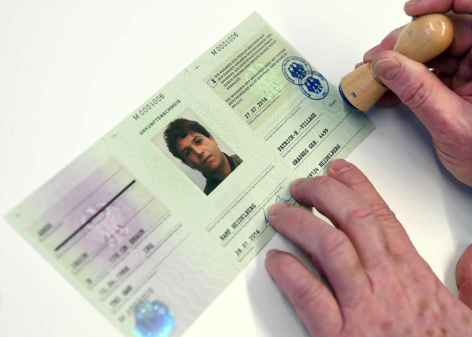 Ausgabe von Flüchtlingsausweisen