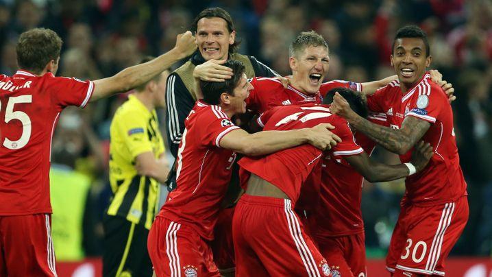 """Bayern-Siegesfeier: Samba mit Dante und """"Don Jupp"""""""
