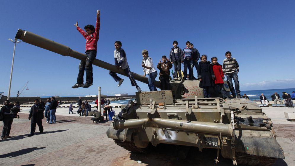 Photo Gallery: Gadhafi's Waning Leadership