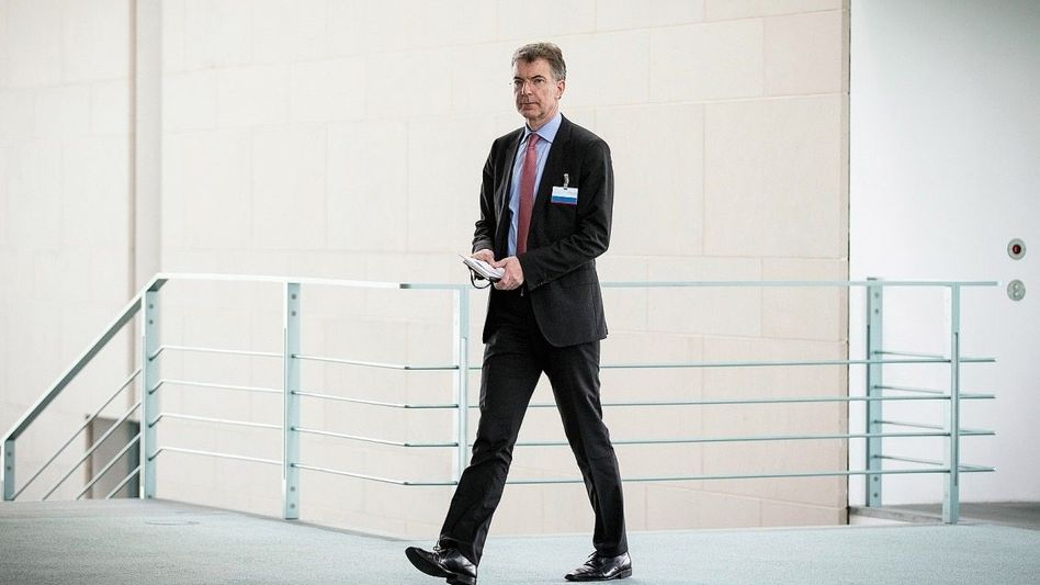 Merkel-Berater Heusgen: Anmaßende Mail