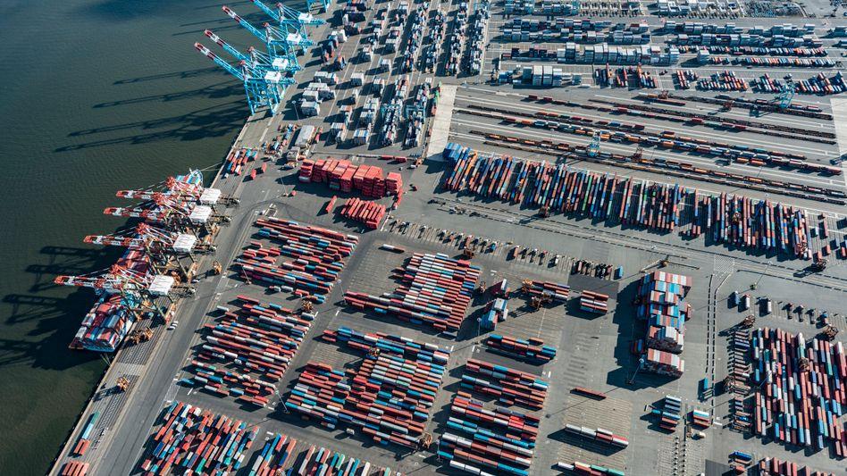Container im Hafen von Newark