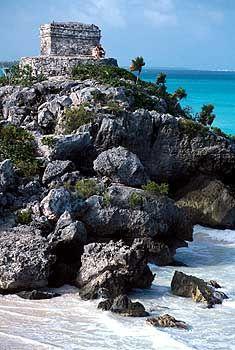 Von der Karibikküste gut zu erreichen: Die Ruinen von Tulum sind am eindrucksvollsten in den Morgenstunden