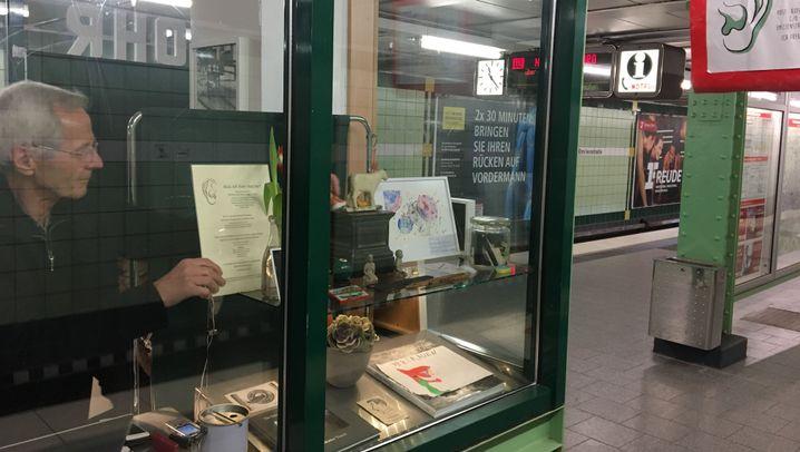 Zuhör-Kiosk: Der Mann im Glaskasten
