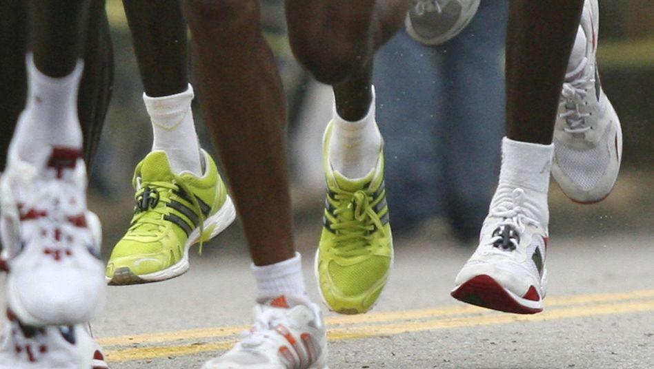 Laufschuhe: Gelenkschäden durch erhöhte Sohle?