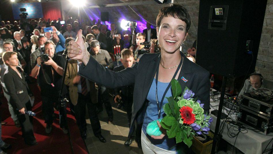 Die Spitzenkandidatin der AfD Sachsen, Frauke Petry: Namen, Anschrift, E-Mail-Adresse, Geburtstag und Telefonnummern wurden veröffentlicht